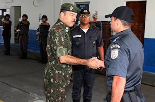 http://vnoticia.com.br/noticia/2762-em-campos-secretario-de-seguranca-coloca-exercito-a-disposicao-para-operacoes-integradas