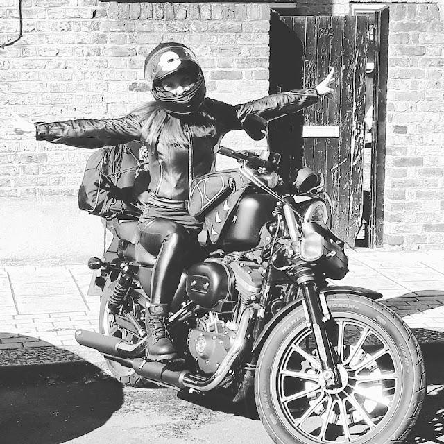 Francesca Dal Bello viaggio in moto in solitaria