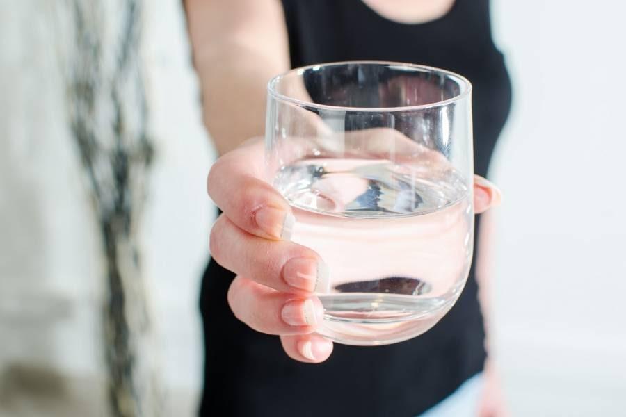 vaso-con-agua-animado