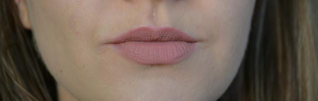 uroda, matowa pomadka w płynie, anastasia beverly hills, crush, liquid lipstick, swatch, opinia, recenzja,