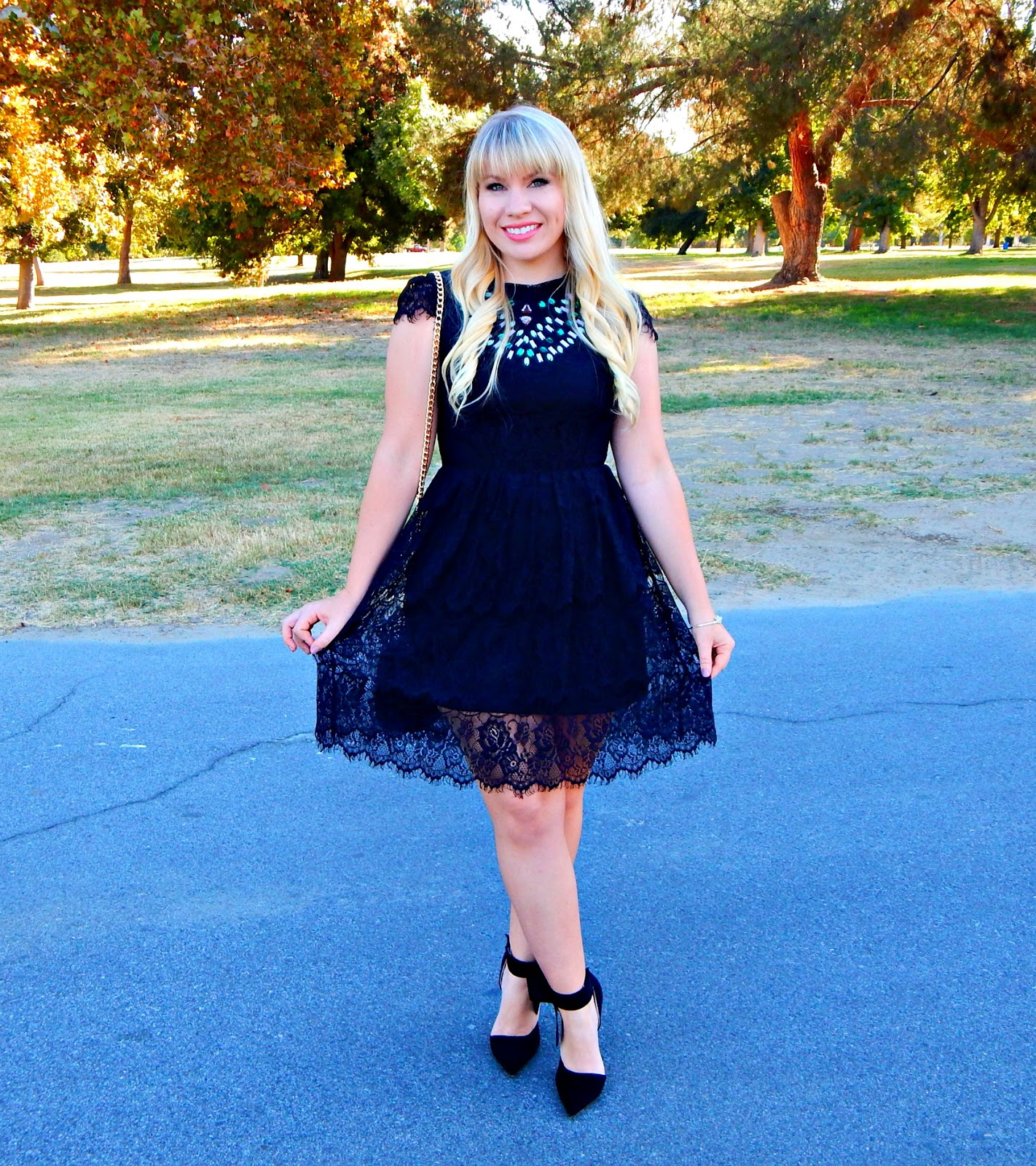 Holiday Dress & Giveaway!