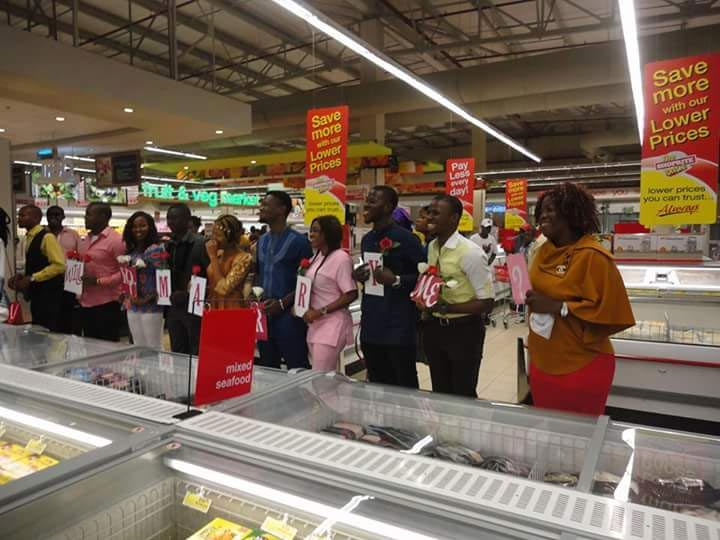 Photos: Man proposes to his girlfriend inside Shoprite Ikeja