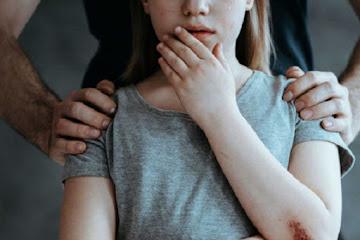 Во Львовской области мать застала отца который пытался изнасиловать свою 13-летнюю дочь. - Видео