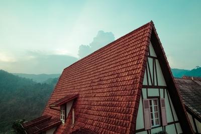 bagaimana tips mencegah atap rumah yang bocor.