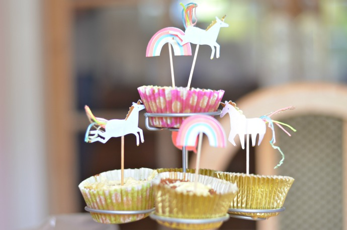 unicorn themed first birthday party, unicorn cupcakes