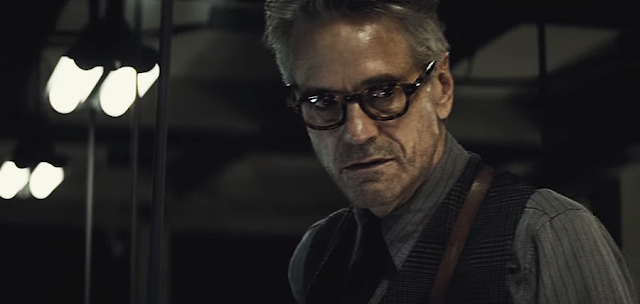 Jeremy Irons (Alfred), în Batman V Superman: Dawn Of Justice