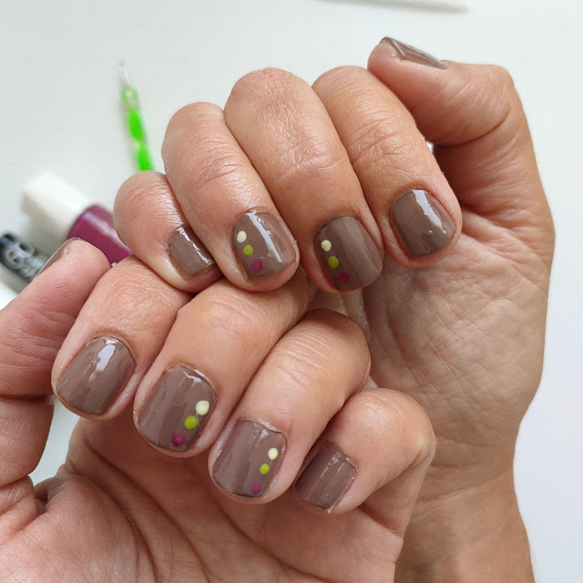 El tutorial de los jueves: Manicura de otoño para uñas cortas 02