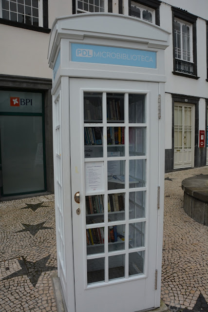 Largo de Matriz phone booth