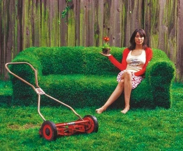 12.) Create a sofa on the lawn (maybe not for the faint of heart). - These 29 Do-It-Yourself Backyard Ideas For Summer Are Totally Awesome. Definitely Doing #10!