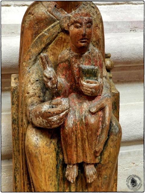 DIJON (21) - Musée d'Art Sacré : Vierge à l'Enfant de Lantenay (XIIIe siècle)