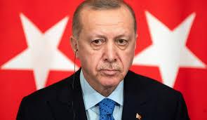 تركيا اردوغان يقيل محافظ البنك