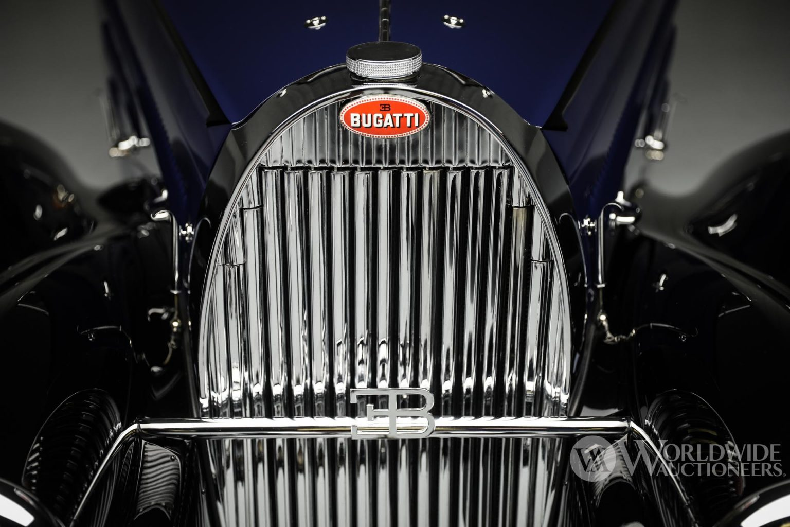بوجاتي تايب 57 سي أتالانت كوبيه موديل 1938 غطاء المحرك