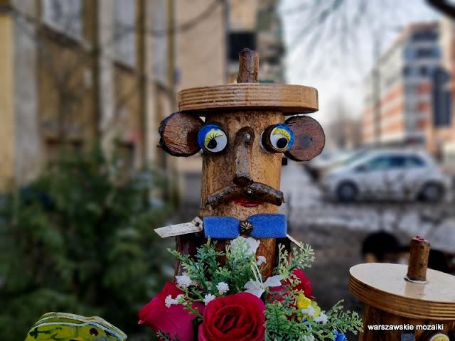 Warszawa Warsaw ogródek miejski przydomowy Mińska Kamionek Grochów rzeźba drewniana drewno
