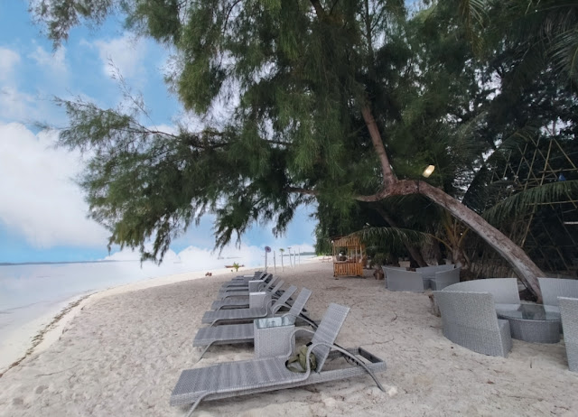 Area Santai White Sand Island