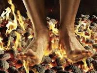 Trik Sulap Cara Berjalan Diatas Api Terbaru