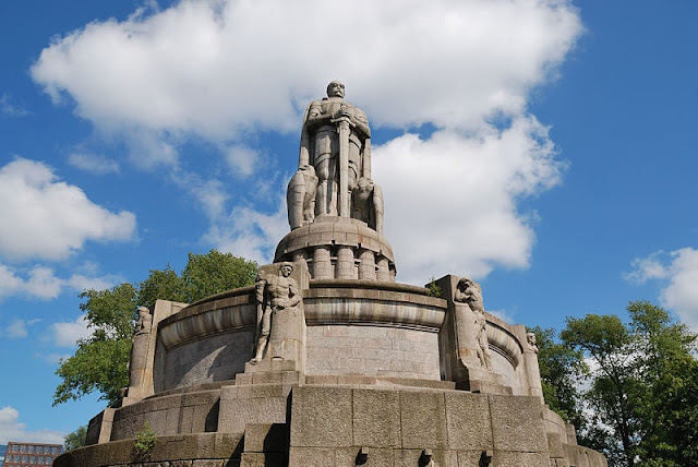 Monumento a Bismarck em Hamburgo