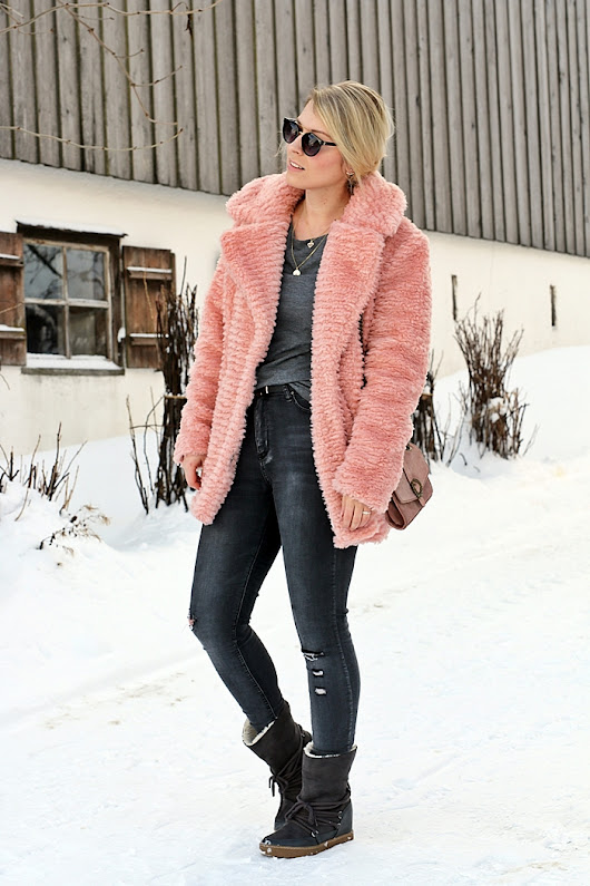 rose fakefur coat, zara bag & grey winterboots