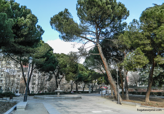 Madri: trajeto do Templo de Debod aos Jardins de Sabatini