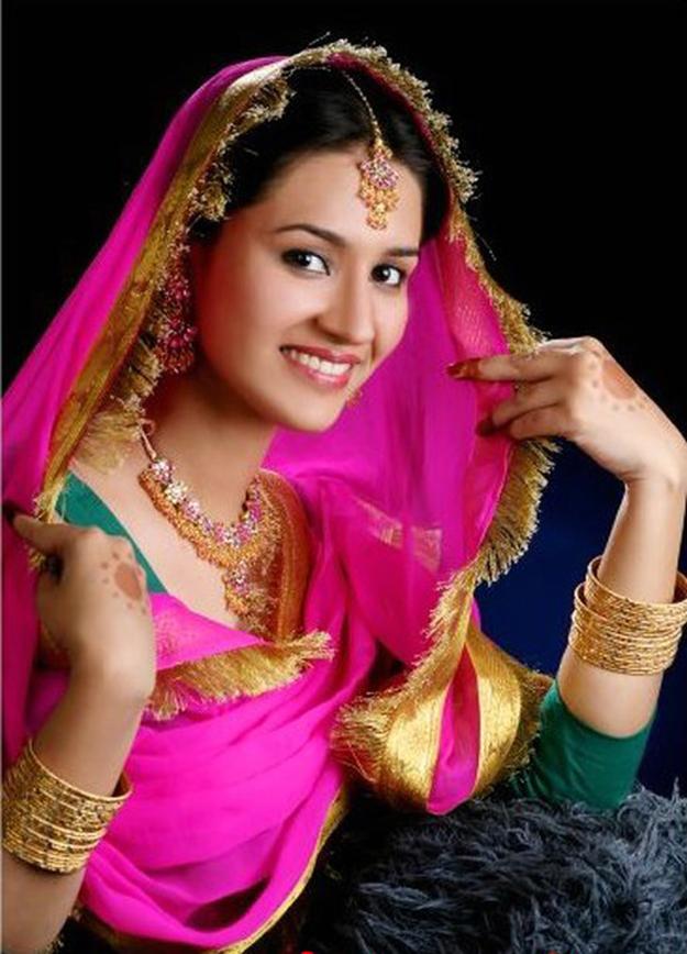 Fashion n styles bride n bride grooms dresses earn money - Punjaban wallpaper ...