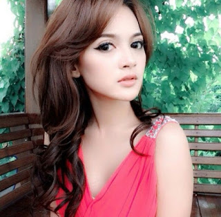 Profil Rosnita Putri Lengkap