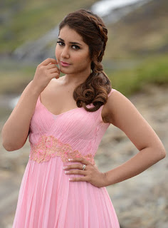 Raashi Khanna Entry In Touch Chesi Chudu