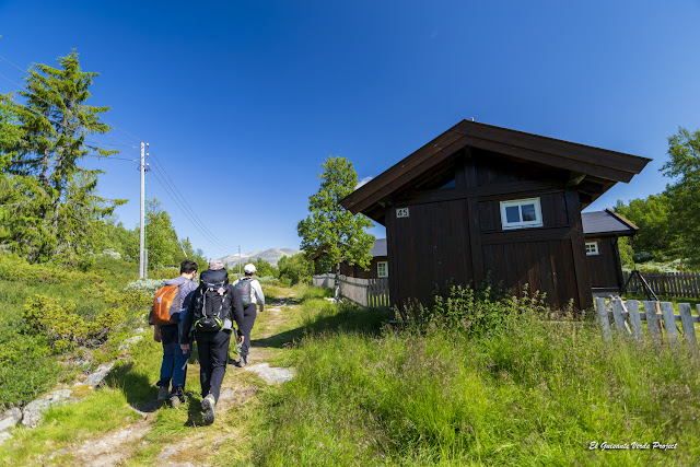 Comenzando la Ruta Brudesloret en Rodane - Noruega