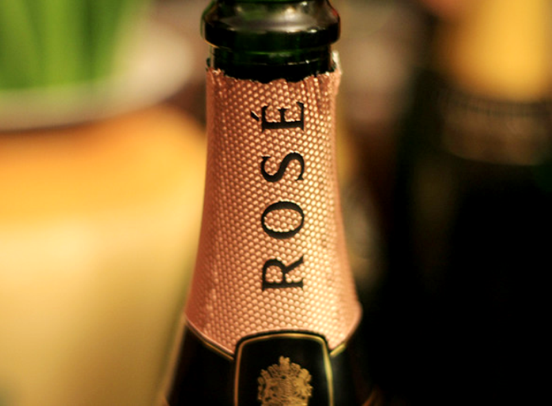quick guide to rose champagne food pairing