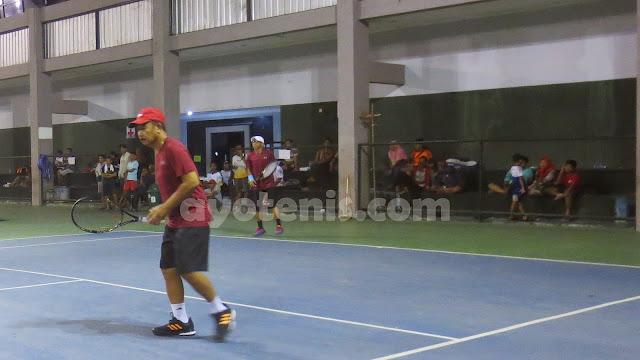 Kejuaraan Tenis Veteran Piala Bupati Tulungagung: Soetriono Maju ke Kuarter Final