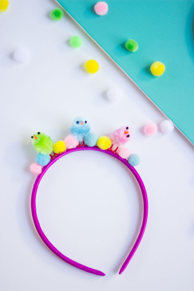 Baby chick and pom-pom headbands - such a cute Easter kids craft idea!