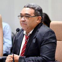 Vereador Nal quer respostas sobre o complexo de saúde