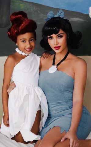 Kim Kardashian e filha Halloween
