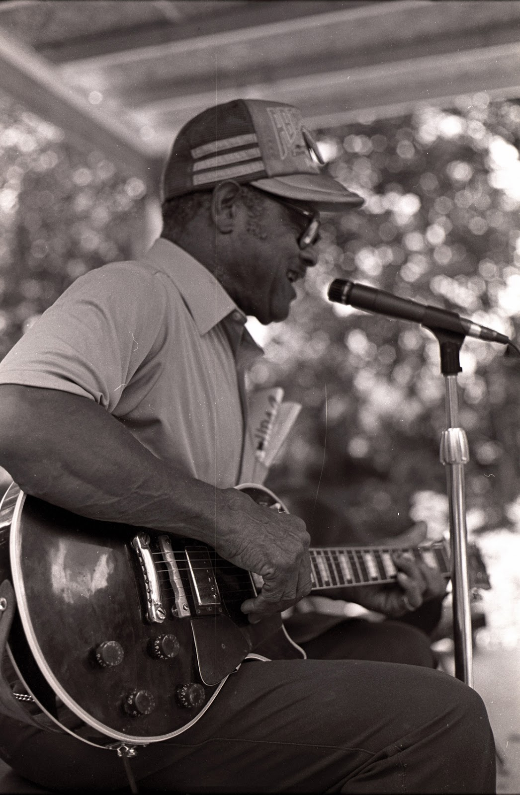 Library Archives News The Tennessee State And Gjm Guitars Design Build High Quality Electric Bud Garrett Of Free Hill Performs At Davy Crockett Days Limestone Washington County 1986 Arts Commission Folk Program Records
