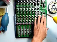 Performa Tetap Terjaga, Berikut Tips Membersihkan Tumpukan Debu Pada Mixer Audio