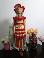 Barbie com vestido junino de crochê