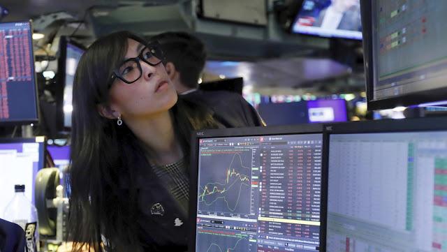 El Dow Jones pierde más de 1.400 puntos al cierre de Wall Street tras la declaración del brote de covid-19 como pandemia