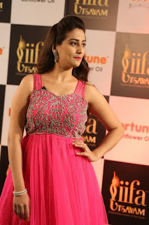 Anchor Manjusha New Stills (2).jpg