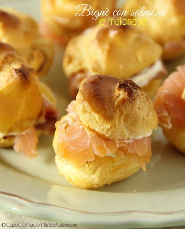 Bignè con salmone e maionese