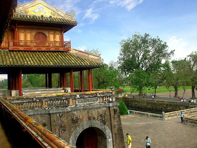One Day in Hue: Much to See and Eat in So Little Time