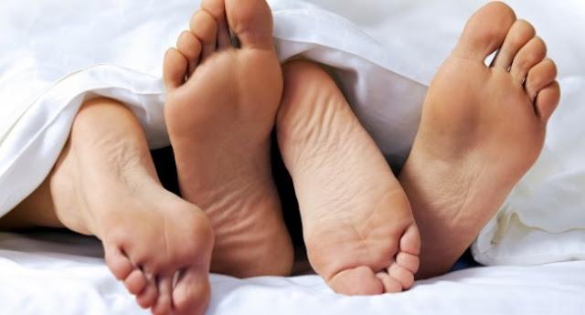 Tiga Manfaat Luar Biasa Bercinta Secara Rutin Bagi Pasangan Suami Istri