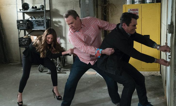 Modern Family - Episode 9.21 - The Escape - Promotional Photos + Press Release