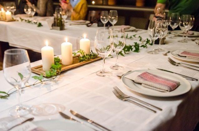 5 نصائح لإعداد المائدة كالمحترفين