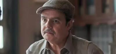 Afonso (Cássio Gabus Mendes) ficará intrigado com telefonemas misteriosos em Éramos Seis