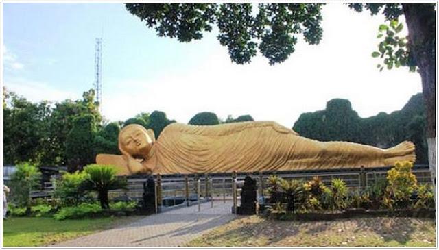 Patung Budha Tidur;Destinasi Wisata Mojokerto
