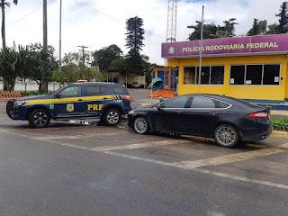 Casal é detido com veículo roubado na BR 423