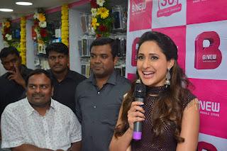 pragya jaiswal bnew mobile store launch 09