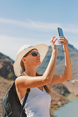 How To Take a Good Selfie