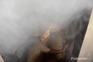 حیدرآباد کے پنجہ گٹہ کار ایکساساریز کے شوروم میں آتشزدگی کا واقعہ پیش
