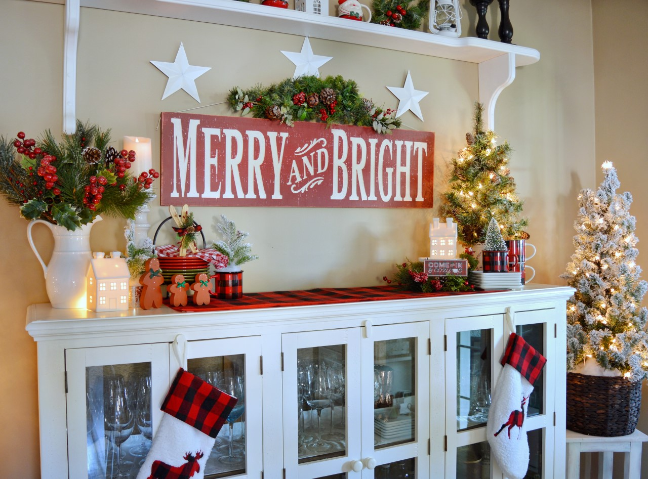 Merry & Bright Kitchen Sideboard Decor
