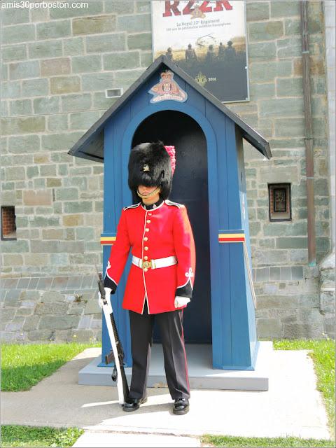 Guardia en la Ciudadela de Quebec