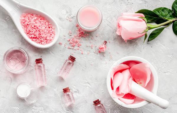 Bunga Mawar dan Daun Pegagan Bahan Skin Care Kosmetik Alami